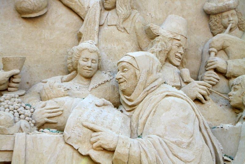 Download скульптура песка редакционное стоковое изображение. изображение насчитывающей оригиналы - 18386404