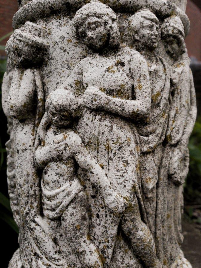 Скульптура семьи стоковые фото