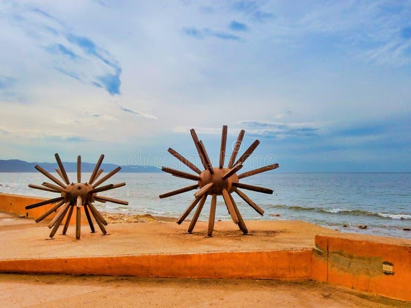 Скульптура Eriza-Dos в Puerto Vallarta Мексике стоковые фото