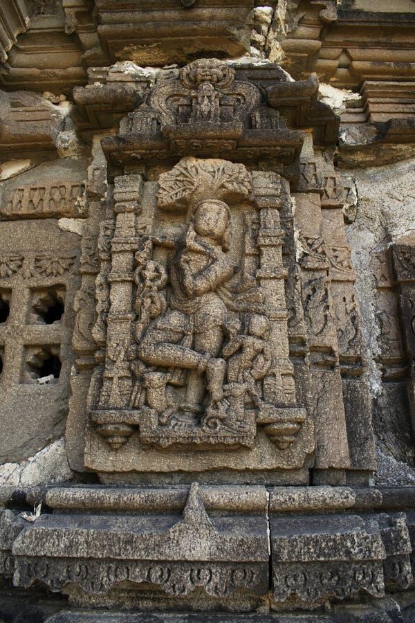 Скульптуры, висок Anandeshwar, Lasur, Daryapur Taluka, район Amravati, махарастра, Индия стоковая фотография
