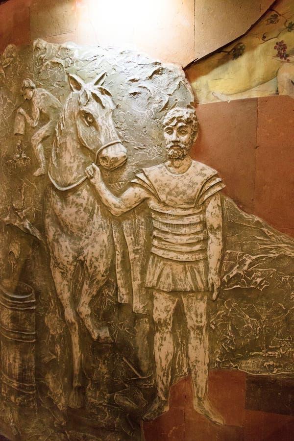 Скульптуры Bas в винодельне стоковые изображения