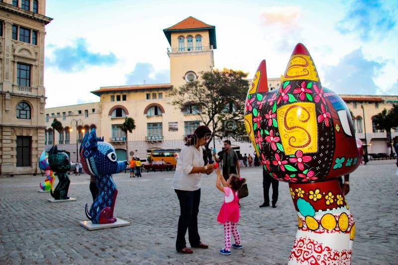 Скульптуры Xico на Сан-Франциско de Asis Квадрате в Гаване, Кубе стоковые фотографии rf