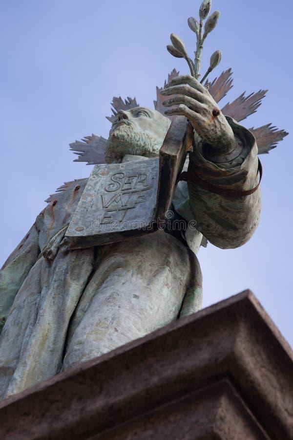Скульптура в квадрате Dante стоковые изображения