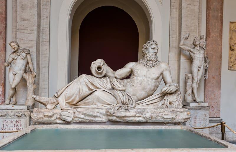Скульптура в музее Ватикана, Рим Тибра реки, Италия стоковые фото