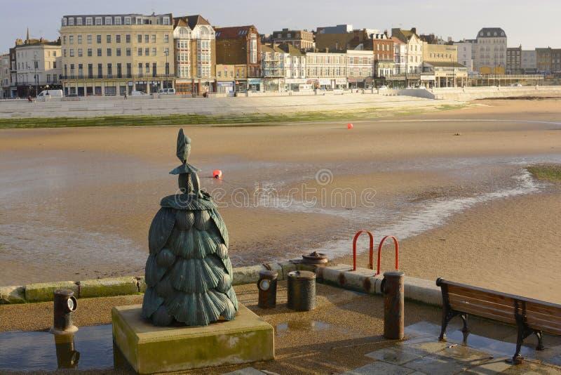Download Скульптура на стороне гавани. Margate. Кент. Англия Редакционное Фото - изображение насчитывающей статуя, kent: 37927886