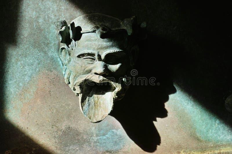 Скульптура стороны фонтана стоковые изображения rf
