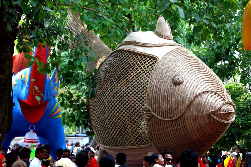 Скульптура сделанная институтом Charukala университета Дакки для торжества 1422 Нового Года Бангладеша стоковое фото rf