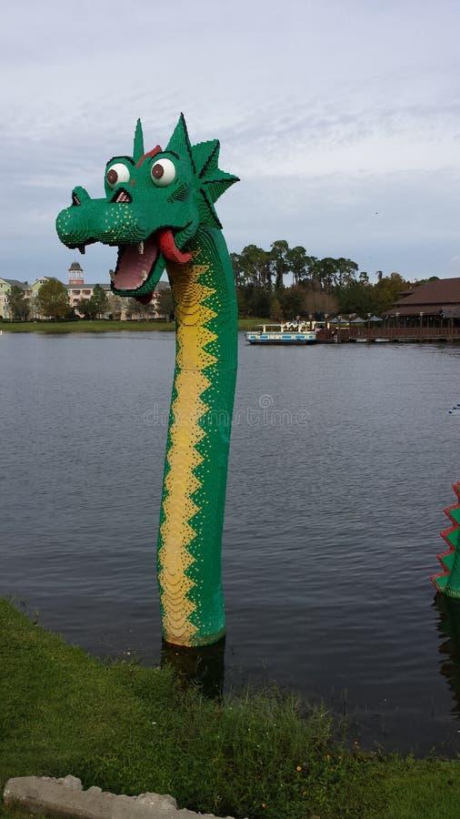 Скульптура Lego дракона воды стоковые фото