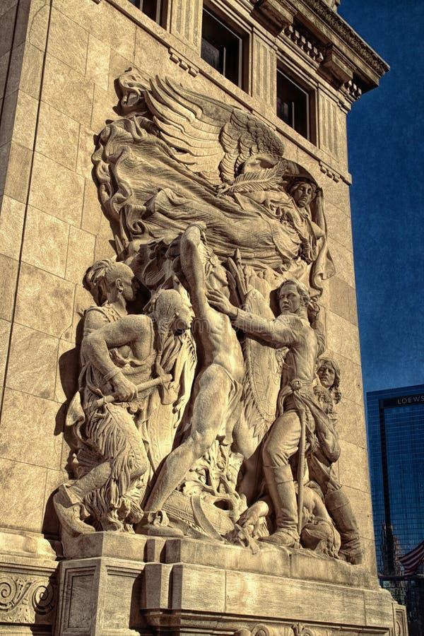 Скульптуры 1928 барельеф вдоль Рекы Чикаго стоковые изображения rf