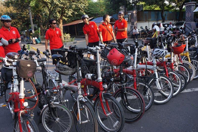 Download Складывая велосипед редакционное изображение. изображение насчитывающей складчатость - 40588045