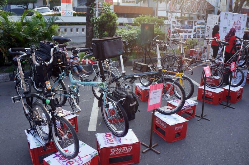 Download Складывая велосипед редакционное фотография. изображение насчитывающей центрально - 40588052