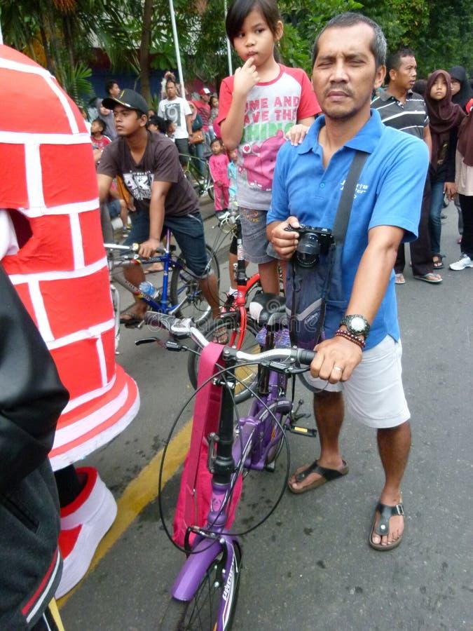Складывая велосипед стоковые изображения