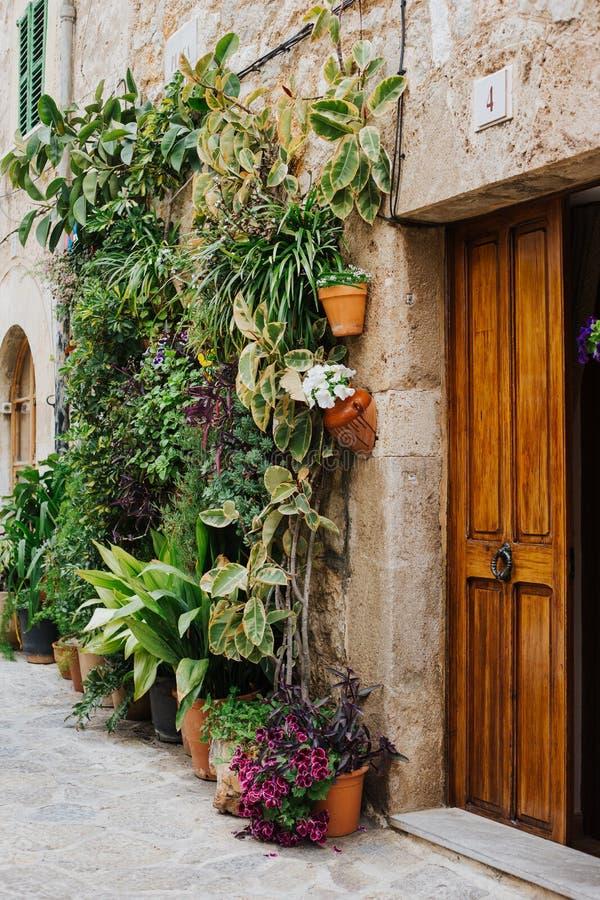 Славный маленький город на острове Мальорки стоковые фото