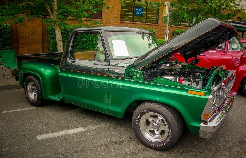 Славный старый автомобиль на выставке автомобиля стоковые фото
