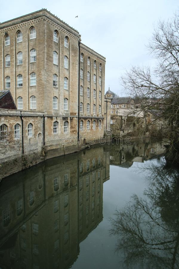 Славный старый городок Брэдфорд на Эвон в Великобритании стоковое изображение rf