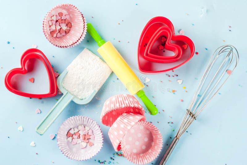 Сладостная концепция выпечки на день ` s валентинки стоковая фотография rf