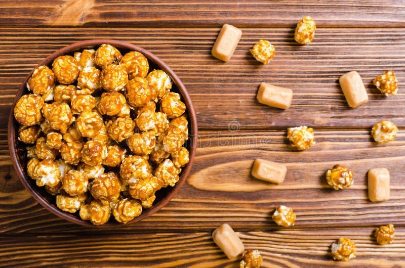 Сладостный попкорн карамельки стоковое изображение