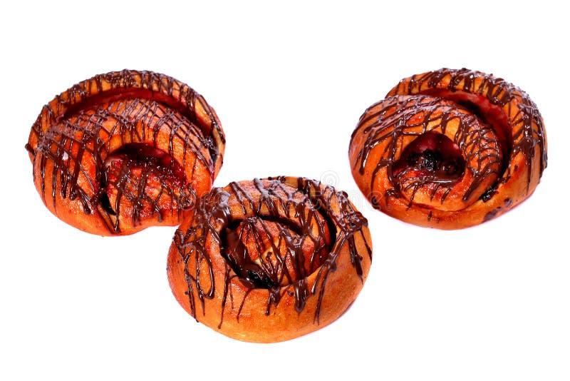 3 сладостных плюшки с шоколадом и вишней стоковое изображение