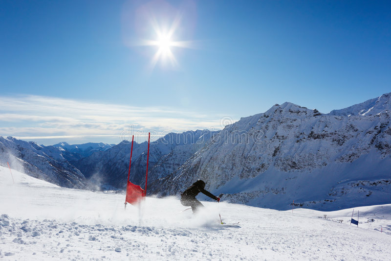 слалом лыжи стоковые фотографии rf