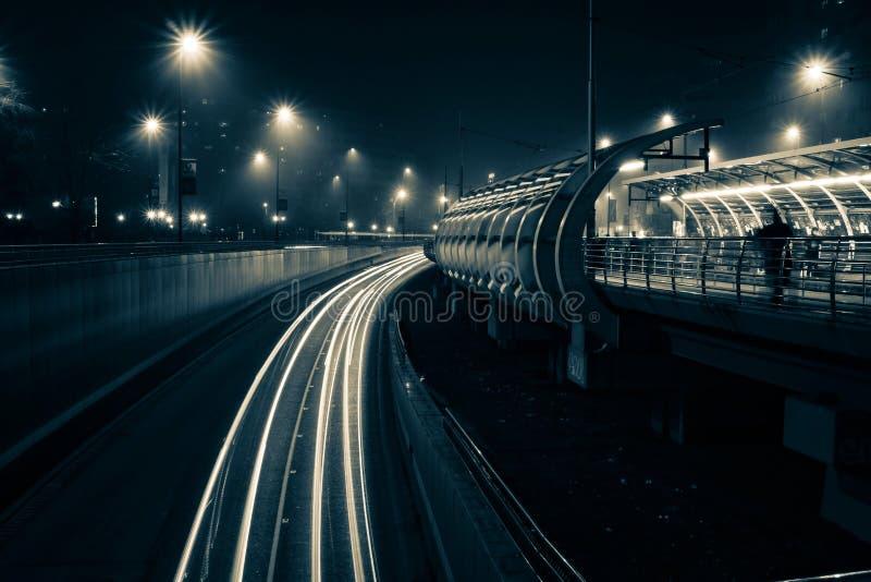 Следы света Бухареста стоковые изображения rf