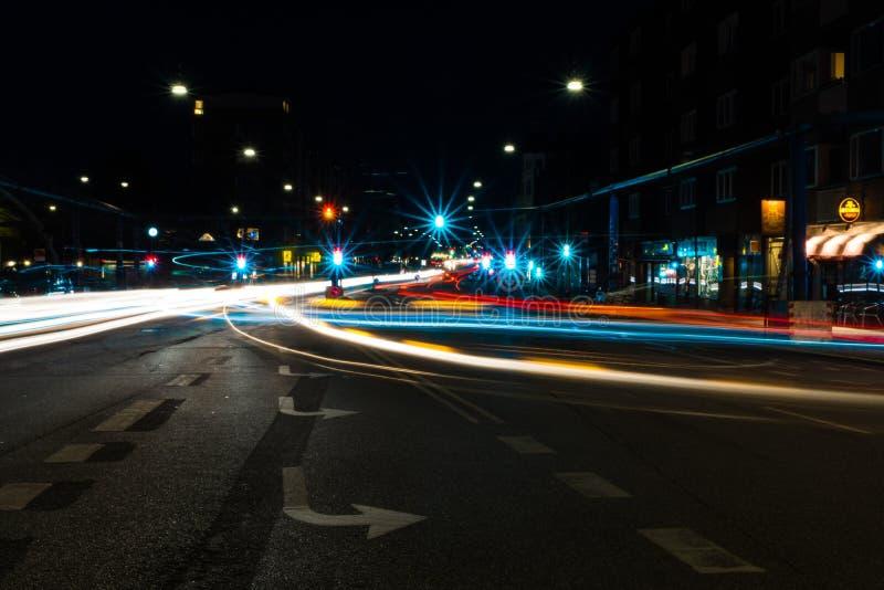 Следы света в центре города Копенгагена стоковое изображение