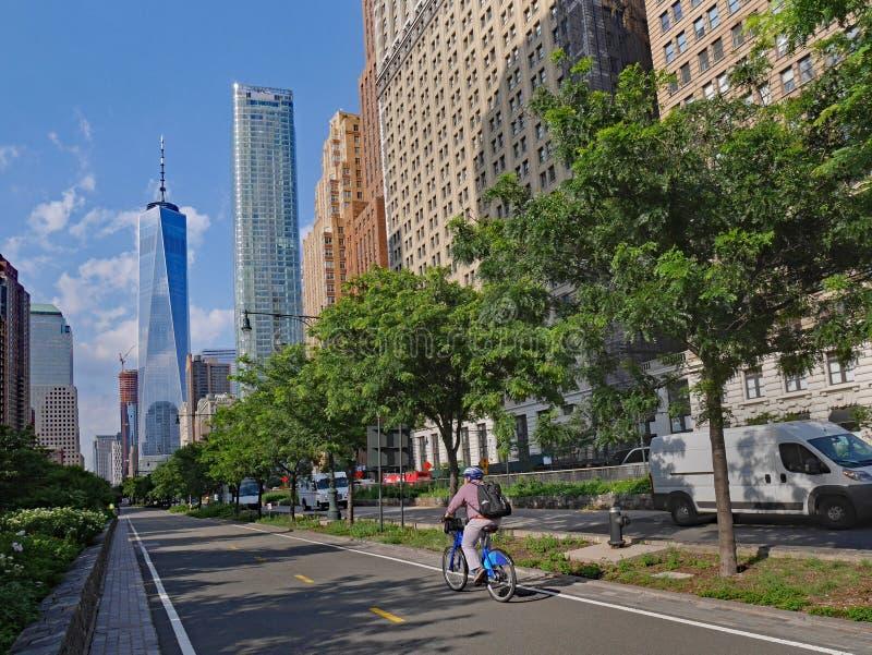 След велосипеда западной стороны Манхаттана стоковые изображения rf