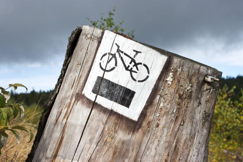 след туриста велосипеда стоковые изображения