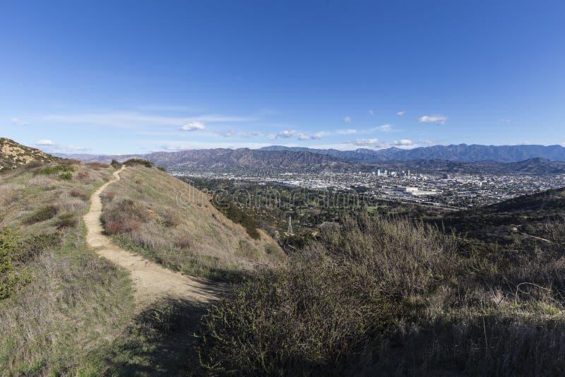 След Griffith Park в Лос-Анджелесе Калифорнии стоковая фотография