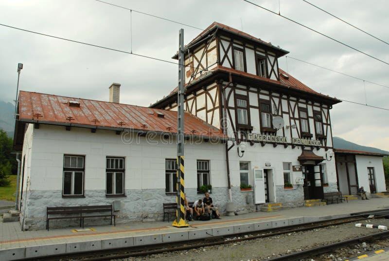 Словакия, высокое Tatras, Tatranska Polianka, железнодорожный вокзал стоковое изображение