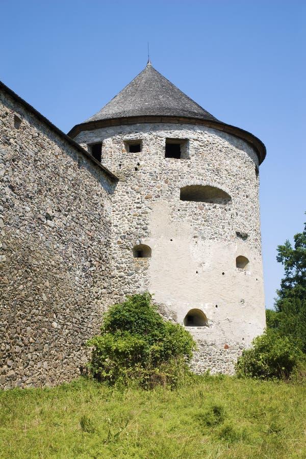 Словакия - одно basiton замка Bzovik - старый монастырь benedictine стоковое фото