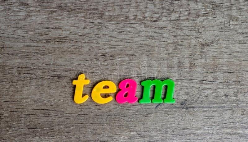 Слова созданные используя пластиковые письма стоковое изображение rf