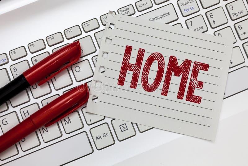 Слово писать дом текста Концепция дела для места где одно живет постоянно рожденные друзья семьи страны существует стоковые изображения