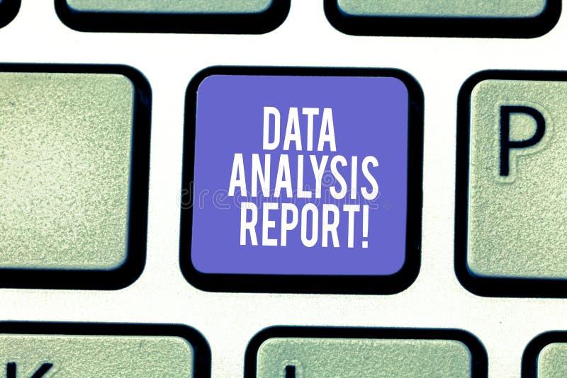 Слово писать отчет об анализа данных текста Концепция дела для информации о процессе оценивать клавишу на клавиатуре данных стоковые фото