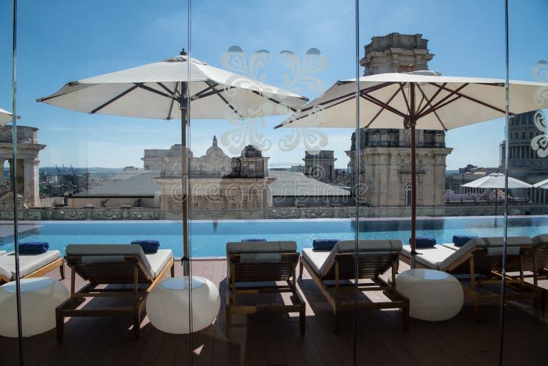 Сложите палубу вместе гостиницы Manzana Kempinski Gran, La Habana Кубы стоковая фотография rf