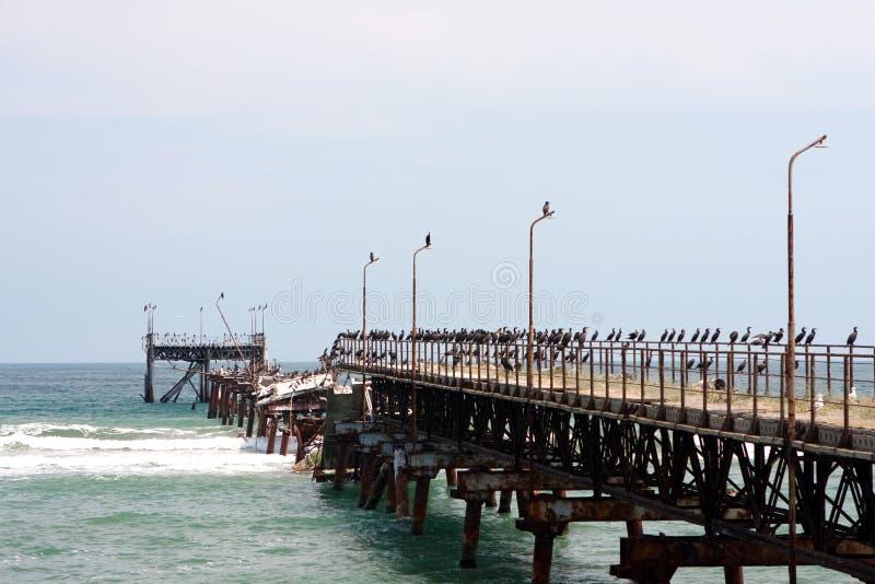 сломанный мост стоковое фото