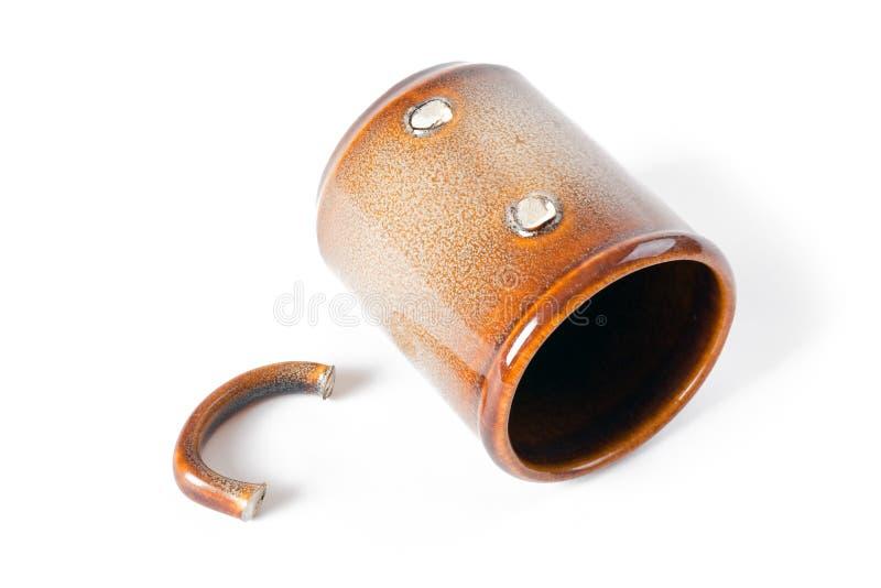 сломленная кофейная чашка стоковое изображение rf