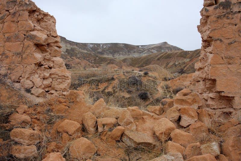 сломленная стена городка горы стоковые фотографии rf