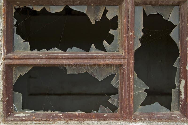 сломленное окно стоковое фото