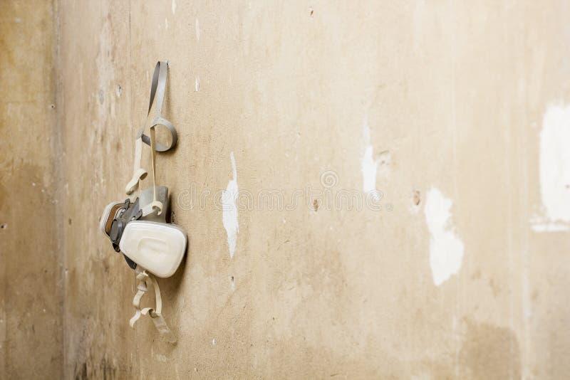 Смертная казнь через повешение респиратора очищать конструкции на стене стоковое изображение