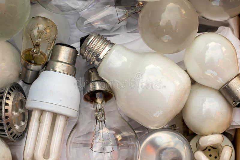 смесь старых лампочек стоковое изображение