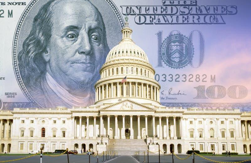 Смесь цифров: U S Капитолий с 100 долларовыми банкнотами стоковое изображение rf