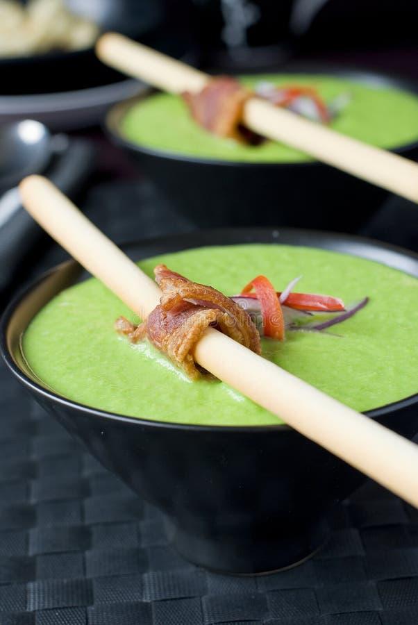 сметанообразный суп горохов стоковое фото rf