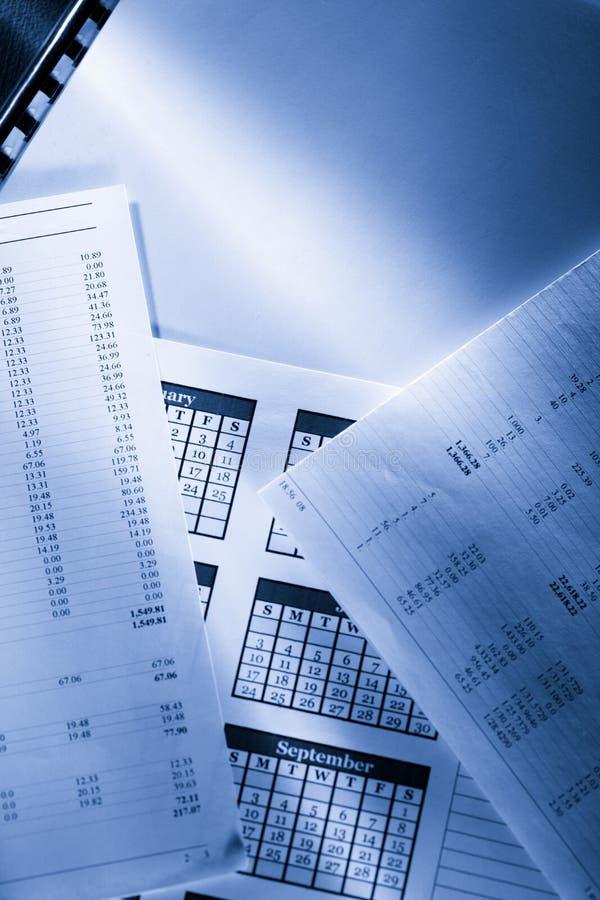 Смета текущих затрат и календарь стоковая фотография rf