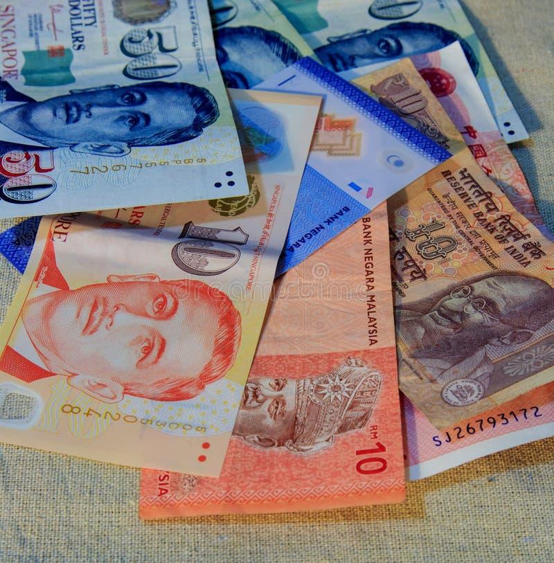 Смешайте некоторые деньги страны Азии стоковые изображения rf