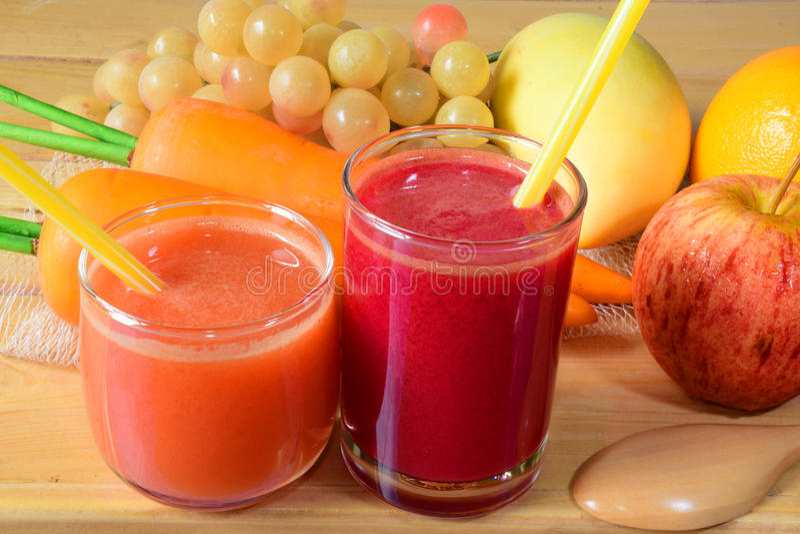 смешанный сок свежих фруктов стоковая фотография rf