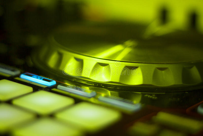 Смешивать turntables Ibiza dj стоковое изображение rf