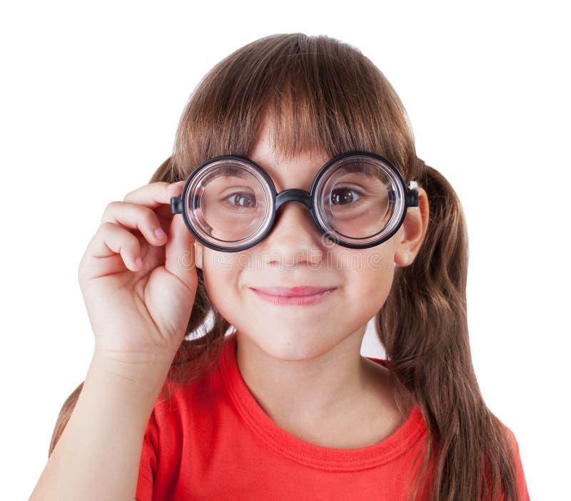 Смешная девушка с круглыми стеклами стоковое изображение