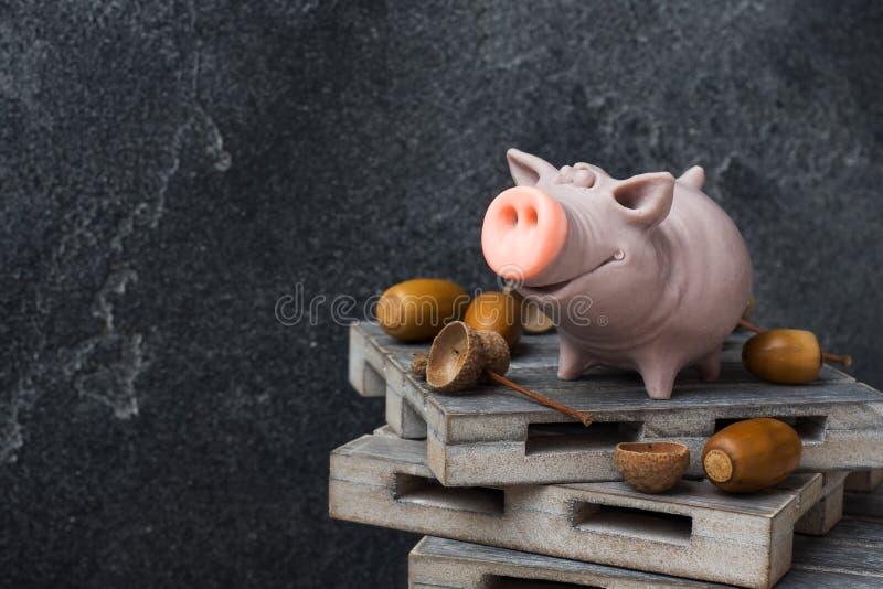 распорядился картинки свинья ест желуди селезнев посетил