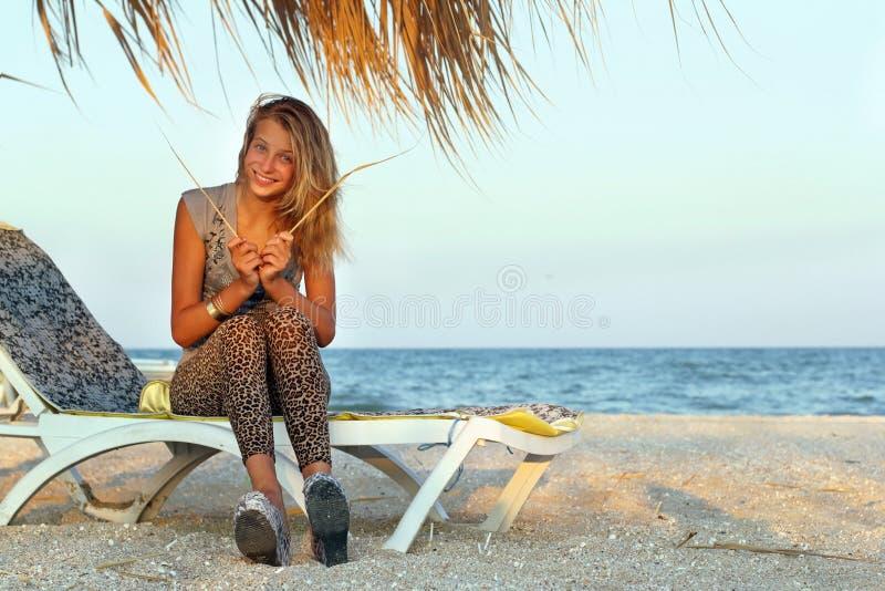 смешная девушка предназначенная для подростков стоковая фотография rf