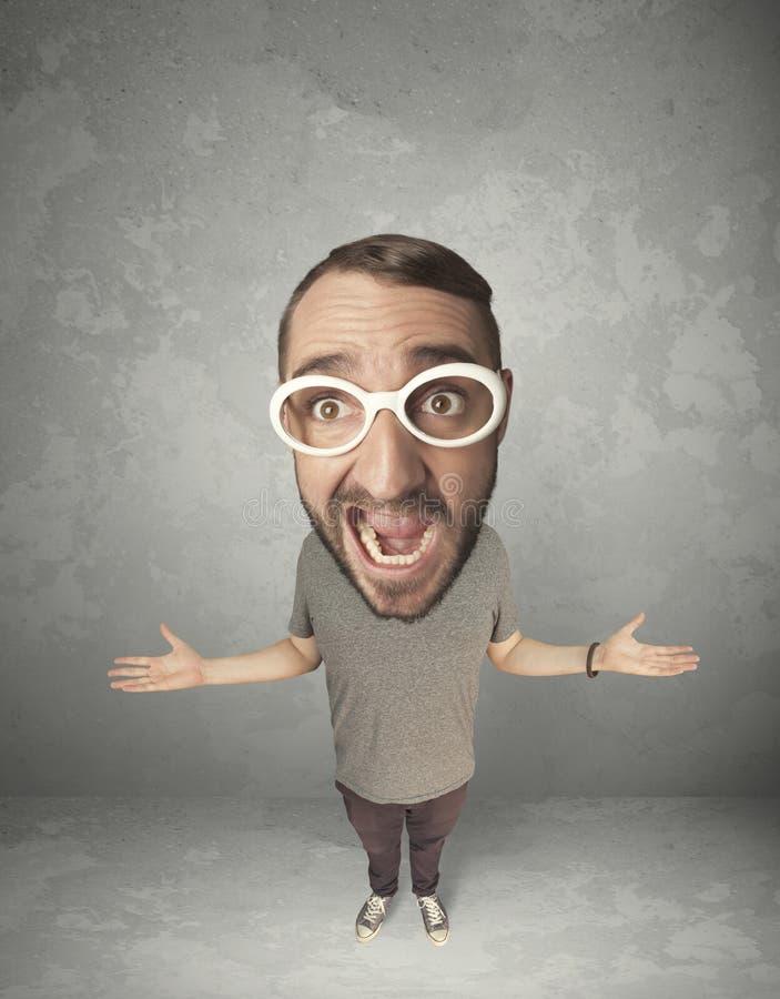Смешная персона с большой головой стоковые изображения rf